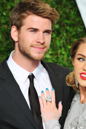 1453392261-miley-cyrus-liam-hemsworth-timeline-012116